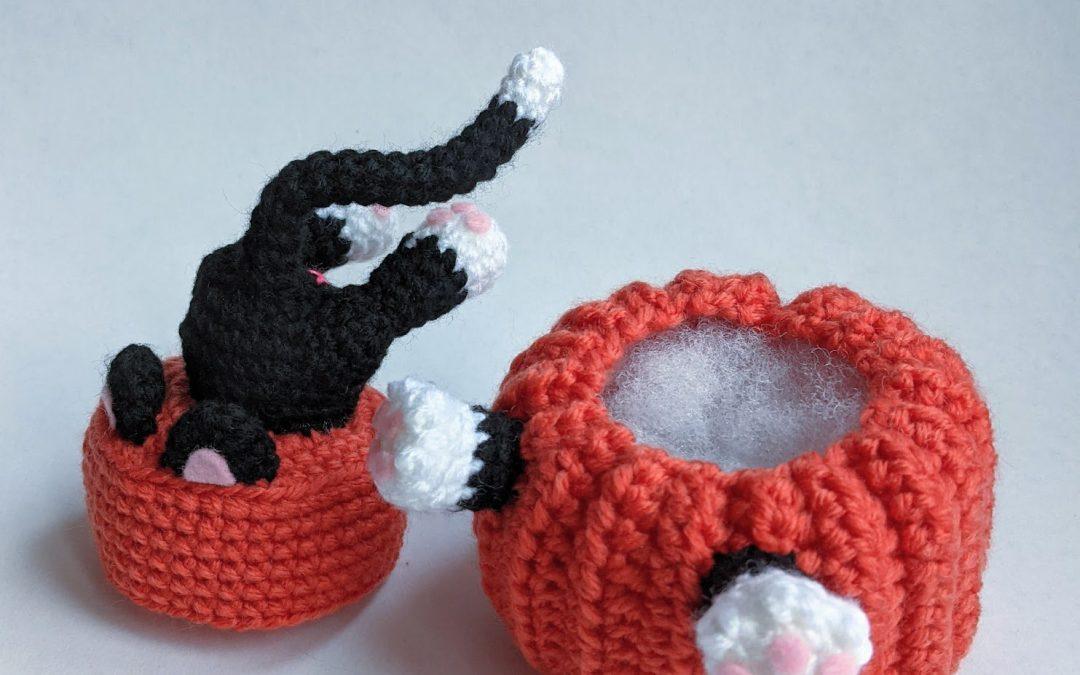 Pumpkin Diving Cat Amigurumi CAL Part 2